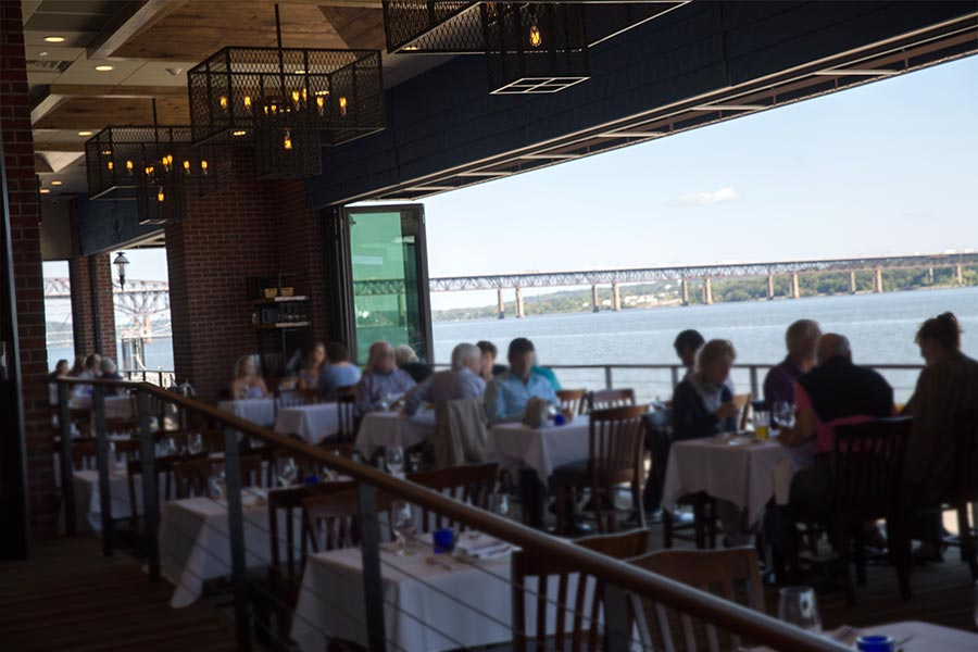 About Blu Pointe Fine Dining On The Newburgh Waterfront